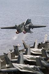 (aeroman3) Tags: aircraft launch flightdeck tomcat ussjohncstennis cvn74 ussjohncstenniscvn74 checkmates f14a vf211 cvw9