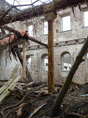 Marstall Dwasieden (Manuela Vierke) Tags: germany deutschland town insel ruine stadt architektur rgen isle mrz mecklenburgvorpommern 2016 sule sassnitz marstall lostplace meckpomm sasnitz dwasieden
