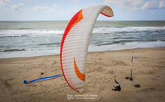 IMG_9263 (Laurent Merle) Tags: beach fly outdoor dune cte vol paragliding soaring ozone plage parapente atlantique ocan glisse littlecloud spiruline