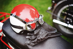 Ready to ride (Eric Flexyourhead (shoulder injury, slow)) Tags: canada detail english ariel bike vancouver zeiss bc bokeh britishcolumbia helmet goggles motorbike gloves motorcycle british fragment shallowdepthoffield 2016 allbritishfieldmeet vandusenbotanicalgarden abfm 55mmf18 sonyalphaa7 zeisssonnartfe55mmf18za