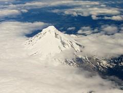 Mt. Hood (Stabbur's Master) Tags: oregon volcano glacier mthood cascaderange viewfromwindow viewfromplane palmerglacier zigzagglacier whiteriverglacier coalmanglacier