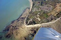 Pointe de l'île de Ré (Les Vols de Max) Tags: la aircraft flight ciel maritime vol nuages avion charente rochelle