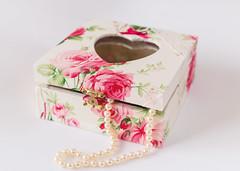 Caixa em tecido (Maria Piolha) Tags: amor caixa coração guarda tecido feminina joias