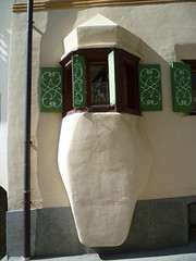 Guarda, Erker (Oriel Window) (bruno.mori) Tags: engiadina engadin grischun graubunden guarda erker orielwindow baywindow