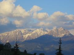 IMG_1201[1] (edelmauswaldgeist) Tags: wolken berge sdtirol huser abendstimmung hgel