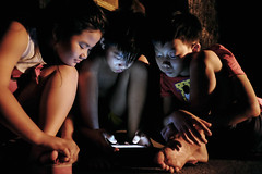 Smartphone - 11 (-clicking-) Tags: life childhood night children nightshot streetphotography streetportrait streetlife vietnam smartphone nightlight dailylife childish childlike vietnamesechildren