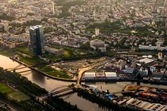 ECB (ToDoe) Tags: sunset frankfurt main eu container contrejour ecb gegenlicht brücken ezb osthafen europeancentralbank europäischezentralbank brigdes draghi grosmarkthalle osthafenbrücke