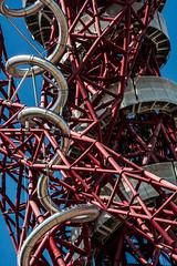 Snakes and Ladders (JB_1984) Tags: uk england sculpture london tower art artwork unitedkingdom slide structure anishkapoor olympicpark orbit chute stratford observationtower londonboroughofnewham arcelormittalorbit queenelizabetholympicpark