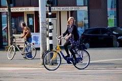 Lente - Spring - Printemps - Frhling (FaceMePLS) Tags: amsterdam bike bicycle highheels boots nederland thenetherlands streetphotography miniskirt fiets fietser rentabike laarsjes straatfotografie minirok damesfiets rokjesdag facemepls ovfiets nikond300 nshuurfiets