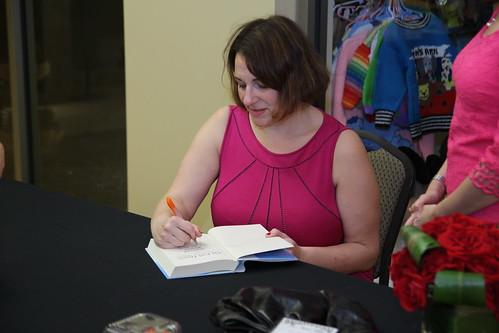 Jennifer Weiner book fan photo