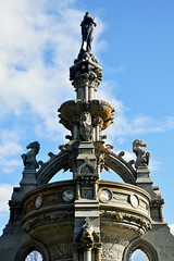 Fountain (sass.si) Tags: park blue sky sun man water fountain sunshine statue stone architecture clouds scotland nikon glasgow arc round kg shape kelvingrove nikond3200 d3200 50mm18g