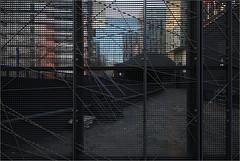 looking West/NorthWest before sunset (LichtEinfall) Tags: rotterdam metro architektur sbahn gitter raperre zuiderspoorstraat stadteinsichten img4195rotterdamfinfo