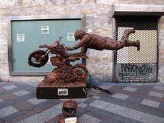 Artistas de la calle (Rafa Gallegos) Tags: madrid spain mud artistascallejeros moto motocross barro motobike epaña artistasdelacalle