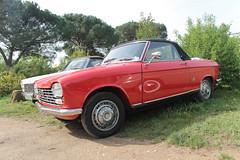 Peugeot 204 cabriolet (xwattez) Tags: auto old france car french automobile voiture transports 204 peugeot gaillac ancienne cabriolet 2015 rtro franaise dcapotable vhicule avag boursedchange