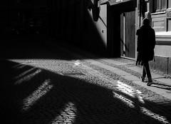 Towards the shadow (Olderhvit) Tags: street light shadow blackandwhite lumix photography gothenburg streetphotography streetphoto goteborg gatufoto framingthestreet p1150035 olderhvit dmcgx1