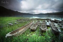 Boats (Randi Ang) Tags: bali lake canon indonesia landscape eos long exposure 5d ang randi danau bedugul munduk tamblingan