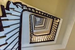 Geometrixxx (*Capture the Moment*) Tags: light architecture stairs licht interior innenarchitektur hamburg staircase architektur interiordesign treppen chilehaus treppenhaus 2016 1018mm sonynex7 häuserwohnungen insightview