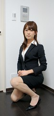 DSC00895 (mimo-momo) Tags: lady japanese office crossdressing transvestite crossdresser crossdress tightskirt