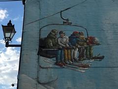 skiers and lamp (Hayashina) Tags: ski london lamp wall mural
