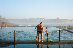 Saturday morning at Wylie's (Robert Ogilvie) Tags: sydney australia contaxt oceanpool