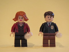 X Files: Mulder and Scully (The MiniFig Tree) Tags: brick lego fig bricks mulder minifig custom figures scully xfiles minifigure moc