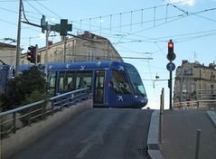Ligne 1 Rue de Verdun (Gerard Stolk (retour de l'Occitane)) Tags: tram montpellier streetcar trams tramway tam rt1 ligne1 lijn1 ruedeverdun staszenbahn