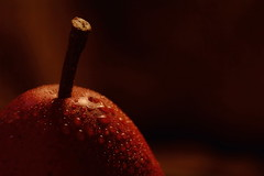 Red Pear Spritzer (Caroline.32) Tags: red macro pear anythinggoes spritz extensiontube nikond3200 happymacromonday 55300mmlens