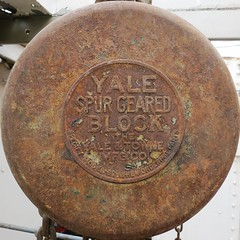 Yale Spur Geared Block (Ruth and Dave) Tags: seattle old boat ship interior rusty machinery maritime squaredcircle block squircle yale lakeunionpark historicshipswharf yaletownemanufacturingcompany