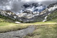 Llanos de Napazal - Valle de Aisa (Gonzalo Castn) Tags: espaa mountain ri