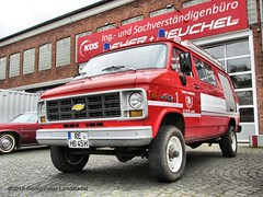 Chevrolet Sport Van 30 Feuerwehr - Bochum Frankys Diner_5775_2015-04-26 (linie305) Tags: auto show old cars chevrolet car sport 30 fire us spring automobile meeting diner firetruck vehicles chevy american vehicle oldtimer motor autos van emergency bochum feuerwehr ruhrgebiet meet carshow brigade firebrigade ruhrarea hellweg automobil blaulicht sportvan einsatzfahrzeug löschfahrzeug springmeet frankys castroper worldcars frankysdiner carmeeting