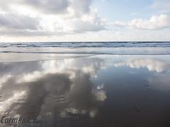 Un paseo por la nubes - Walking on clouds (CarmenA.Ruano) Tags: ocean sea sky beach clouds island mar fly magic shore canary reflexions reflejos mágico orilla volar