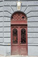 18 (akk_rus) Tags: door city building nikon europe cityscape cityscapes romania 28 nikkor brasov d800 roumanie 2470    nikkor247028 nikond800