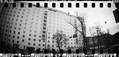 20160404-DSC_8746 (sarajoelsson) Tags: city urban blackandwhite bw panorama film monochrome 35mm gteborg march sweden gothenburg toycamera wideangle panoramic hp5 135 ilford everydaylife 2016 plasticlens filmphotography sprocketholes filmisnotdead filmshooter teamframkallning sprocketrocket believeinfilm digitizedwithdslr