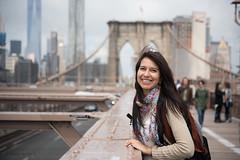 Lola en el Brooklyn Bridge (Cristian Becker) Tags: nyc 50mm dof brooklynbridge 50mmf12 d810 2470mmf28g soniakoch 50mmf12m