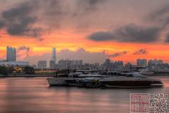 IMG_0076 (Edward Ha) Tags: canon hongkong   kwuntong   sunuset kwuntongferrypier kwuntongpromenade