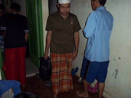 "Bakti Sosial Mapala Sakuntala Posko Banjir • <a style=""font-size:0.8em;"" href=""http://www.flickr.com/photos/24767572@N00/27069072972/"" target=""_blank"">View on Flickr</a>"