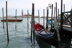 San Giorgio Maggiore (Thomas Schirmann) Tags: venice venise venezia glise sangiorgiomaggiore gondole