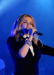 Kylie Minogue - Summer 2015 - Haydock Park - 20.06.15. - 385 (J.E.T. 603) Tags: music concert tour kylie live performance racecourse minogue jockeyclub merseyside kylieminogue 2015 intotheblue haydockpark kissmeonce summer2015