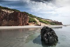 Brazil - Icapu (Nailton Barbosa) Tags: nikon d80 ce cear ne nordeste litoral mar oceano dunas falsia falsias praia de ponta grossa jangada jangadas brasil brazil brasile brsil bresil brasilien icapui icapu areias