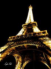 Eiffel de Noche III (Anglica Robles) Tags: paris france eiffel francia pars