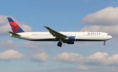 Delta Airlines Boeing 767-400 (AMSfreak17) Tags: amsterdam airport delta landing boeing airlines 06 schiphol ams eham 36r 767400 kaagbaan aalsmeerbaan n837mh amsfreak17