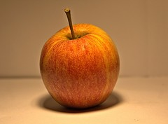 Appel (Bear 96) Tags: food ny fruit canon eos manzana appel apples elma pomme apfelbaum maçã obst äpple jabłko lebensmittel æble アップル produkt 苹果 eple omena äpfel яблоко אפל سیب 60d 사과 măr μήλο تفاحة แอปเปิล עפּל ਸੇਬ