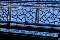 Irrel MuCEM (Napafloma-Photographe) Tags: sky france marseille bluesky muse structure ciel fr personnes province photographe cielbleu moucharabieh bouchesdurhne btiments gographie mucem dtailsarchitecturaux structuresmtalliques mtiersetpersonnages napaflomaphotographe architecturebatimentsmonuments