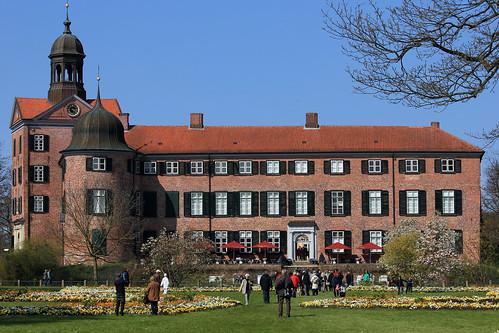 """Eutiner Schloss (18) Gartenfassade • <a style=""""font-size:0.8em;"""" href=""""http://www.flickr.com/photos/69570948@N04/26878527021/"""" target=""""_blank"""">View on Flickr</a>"""