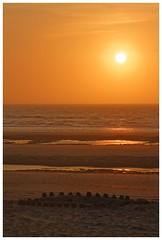 Sand castle (de.brusselaar) Tags: sun castle beach strand sand sundown sable playa crepusculo chateau crpuscule plage spiaggia crepuscolo