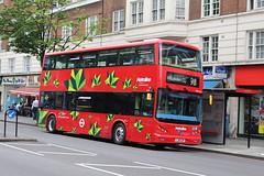 Metroline BYD1474 on Route 98, Edgware Road (wltmauc) Tags: red bus electric chinese 98 edgwareroad tfl willesden transportforlondon metroline byd comfortdelgro lj16ezp byd1474