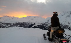 Motoslitte - Madesimo (SO) Tramonto (alexgiordano965) Tags: bormio valtellina madesimo sondrio lombardia neve sci ski eagle aquila fly volo motoslitta inverno winter mountain montagna alpi snowmobile tramonto