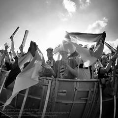 Public Viewing zur Fuball EM 2016 in Berlin (Agentur snapshot-photography) Tags: berlin sport deutschland fan tv europa fussball emotion euro flag europameisterschaft match fans em fahne flagge fernseher deu besucher jubel gruppe personen fernsehen flaggen gruppenbild freude strassedes17juni publikum wettbewerb fanfest fahnen 2016 leinwand gestik publicviewing geste deutschlandfahne mimik halfbody 010200 nordirland fussballspiel jubeln deutschlandflagge halbfigur gesten 010900 fanmeile fussballfan gruppenspiel bertragung nationalflagge optimistisch fussballfans randbild gruppenaufnahme fernsehbertragung nationalfahne fussballmatch halbefigur fusballfan grossbildleinwand landesfahne landesflagge ffenltich fuballfans