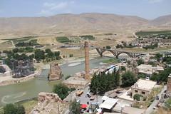 Hasankeyf (laedri52) Tags: bridge turkey river ancient minaret trkiye turkiye batman kpr southeastern minare nehir hasankeyf tarihi rmak gneydou