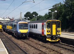 Units at Norwich (Tony's Trains and Buses) Tags: norwich 153 170